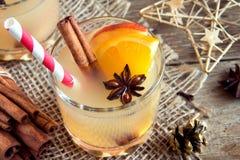 圣诞节的香甜热酒饮料 图库摄影