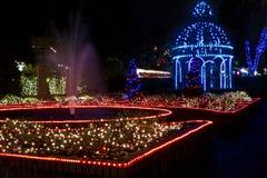 圣诞节眺望台和喷泉 免版税库存照片