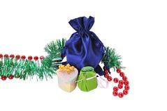 圣诞节礼品和装饰品 免版税库存图片