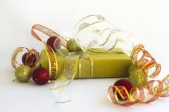 圣诞节礼品和装饰品 库存照片