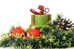 圣诞节礼品和装饰对象。 免版税库存照片