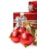 圣诞节礼品和装饰 免版税库存照片