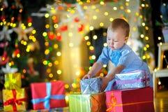 圣诞节礼品女孩一点 库存图片