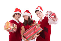 圣诞节礼品愉快的十几岁 免版税图库摄影