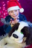 圣诞节礼品愉快的孩子微笑的甜点 库存图片
