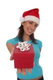 圣诞节礼品藏品妇女 免版税库存图片