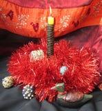 圣诞节礼物和蜡烛 免版税库存照片
