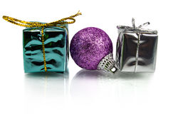 圣诞节礼物和装饰在白色背景 库存照片