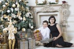 圣诞节礼物时间 免版税库存照片