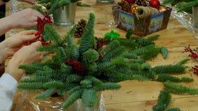 圣诞节礼物花束的装饰 股票录像