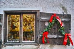 圣诞节窗口葡萄酒 图库摄影