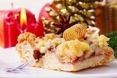 圣诞节糖粉奶油细末蛋糕 库存照片
