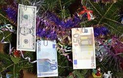 圣诞节结构树立场金钱结构树 免版税库存照片