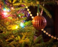 圣诞节结构树装饰 免版税库存照片