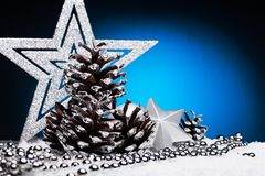 圣诞节结构的圣诞树在蓝色背景戏弄 免版税图库摄影