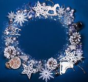 圣诞节结构的圣诞树在蓝色背景戏弄 免版税库存照片