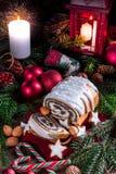 圣诞节罂粟种子蛋糕 库存图片