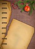 圣诞节老纸袋装的结构树 免版税图库摄影
