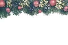 圣诞节背景与xmas树,红色装饰品和和w上 图库摄影