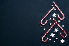 圣诞节背景用糖果和拷贝空间 免版税库存图片