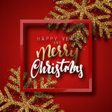 圣诞节背景红色,与美丽的明亮的雪花现实亮光闪烁 免版税库存照片