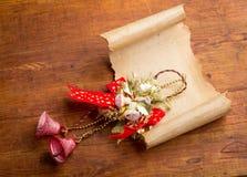 圣诞节背景老纸纸卷 图库摄影