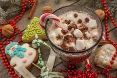 圣诞节背景,构成 云杉的分支,姜饼 免版税图库摄影