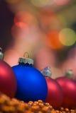 圣诞节色的装饰 免版税库存图片