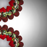 圣诞节花圈用补缀品红色心脏做了两个处所 库存照片