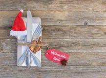 圣诞节菜单桌设置,圣诞节假日庆祝背景 免版税图库摄影