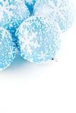 圣诞节蓝色球 免版税库存图片
