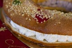 圣诞节蛋糕(Roscon de雷耶斯) 免版税库存图片