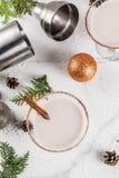 圣诞节蛋黄乳马蒂尼鸡尾酒鸡尾酒 免版税库存图片