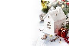 圣诞节蜡烛房子 免版税库存照片