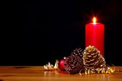 圣诞节蜡烛静物画 免版税库存图片