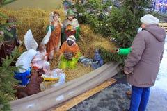 圣诞节街道场面在切尔诺夫策,乌克兰 库存照片