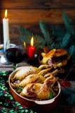 圣诞节被烘烤的鹌鹑用蘑菇 库存图片