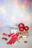 圣诞节被仔细考虑的酒在冬天晚上 免版税库存照片