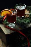 圣诞节被仔细考虑的酒 免版税库存照片