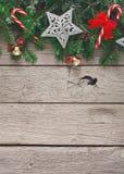 圣诞节装饰、装饰品和诗歌选构筑背景 免版税库存照片