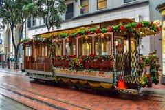 圣诞节装饰了旧金山历史电车 免版税图库摄影