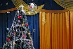 圣诞节装饰了杉树 库存图片
