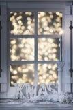 圣诞节装饰了窗口 免版税库存照片