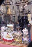 圣诞节装饰了窗口 免版税图库摄影
