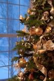 圣诞节装饰了结构树 库存图片