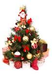 圣诞节装饰了金子红色结构树 免版税库存照片