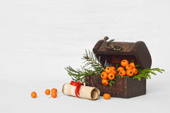 圣诞节装饰和信件圣诞老人的 图库摄影