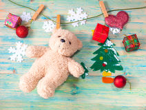 圣诞节装饰和熊玩具 免版税库存照片