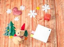 圣诞节装饰和熊玩具 库存照片