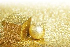 圣诞节装饰和礼物 免版税库存照片